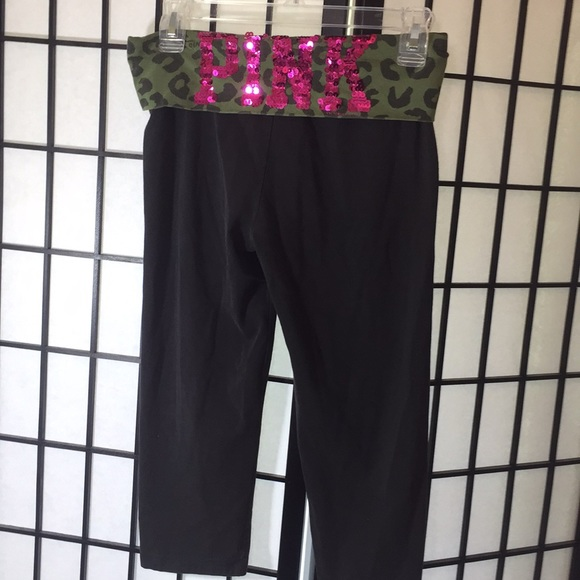 74ec3e93274c4 Victoria's Secret Pink Yoga Pant Size Small
